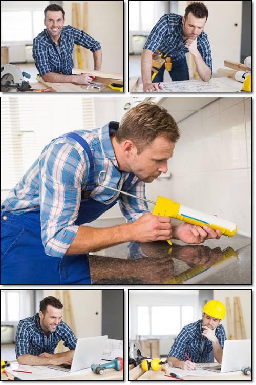 Мужчина в работе - растровый плипарт